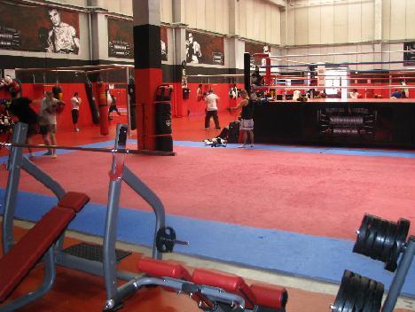 Jaume pons abre el gimnasio m s grande de catalu a for Gimnasio de boxeo