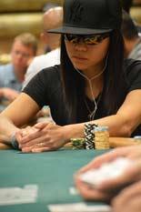 SoloBoxeo-ChristinaKwan-Poker
