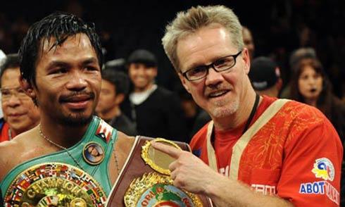Manny Pacquiao junto a Freddie Roach.