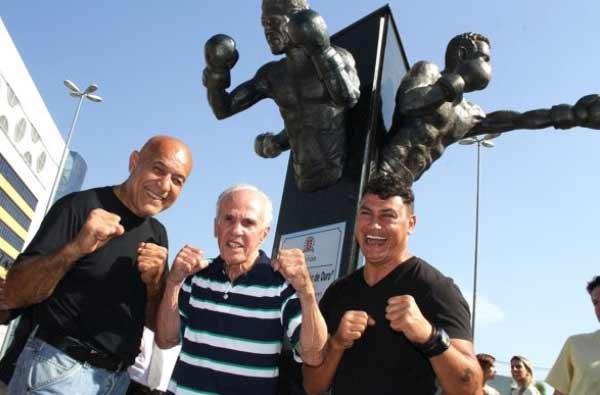 Homenaje a Jofre, Freitas y Oliveira en Brasil