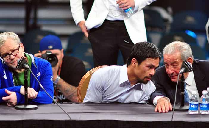 Freddie Roach, Manny Pacquiao y Bob Arum