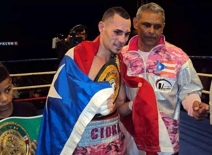 José Pedraza, junto a su padre y entrenador Luis Espada (Foto cortesía: Oscar Espada)