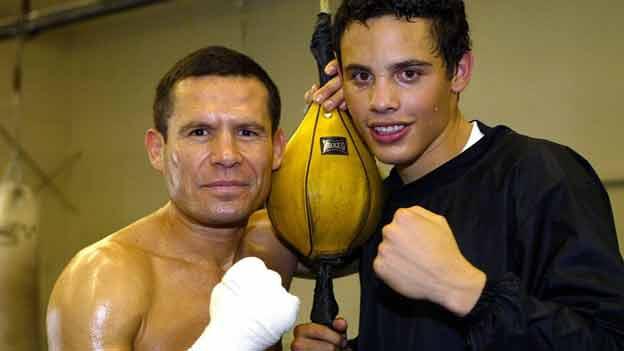 Chávez junto a Chávez Jr.