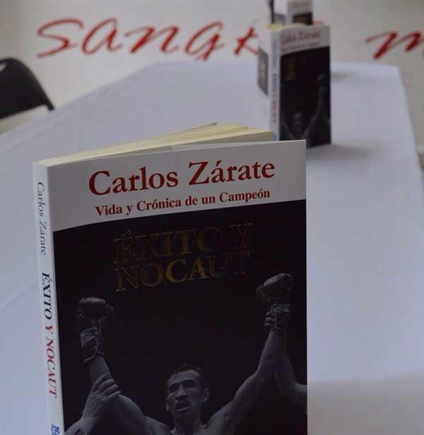 """LIBRO """"ÉXITO Y NOCAUT"""" (Foto de Carolina Rodríguez)"""