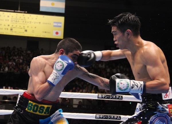 Ioka vs Roberto Sosa - Foto: Sumio Yamada