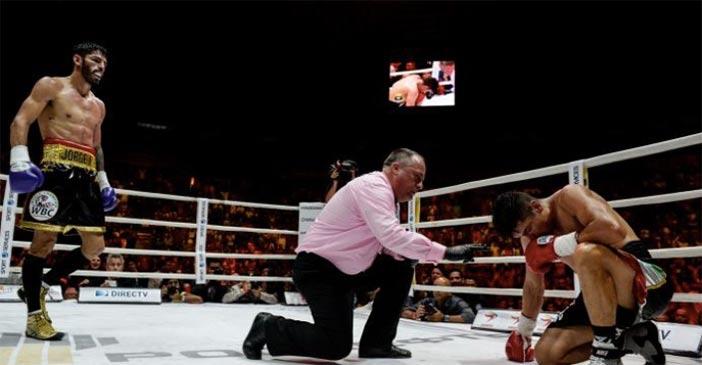 Jorge Linares peleando en El Poliedro