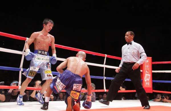 Ryoichi Taguchi vs Juan José Landaeta. Photos Sumio Yamada