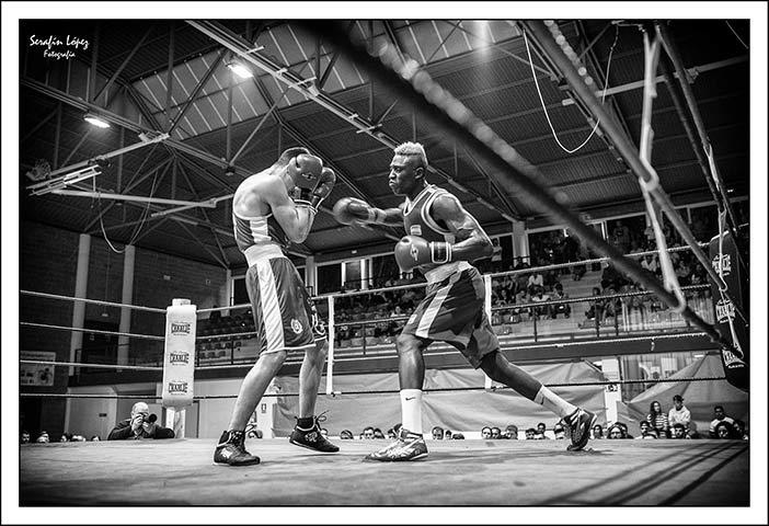 Sissokho vs Miguez (Foto: Serafín López)