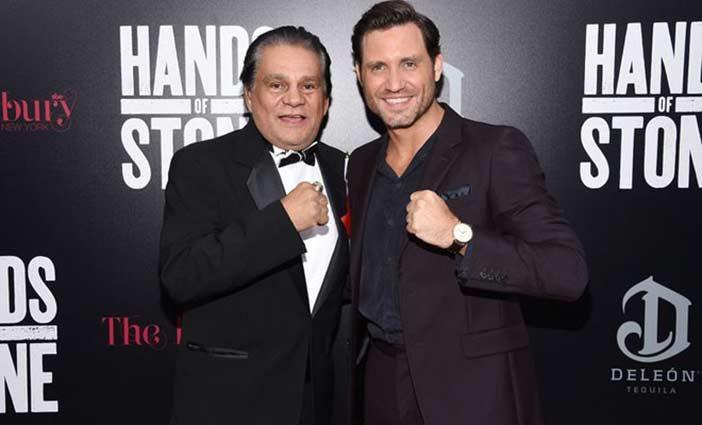 Roberto Durán junto al actor que le interpreta en la película