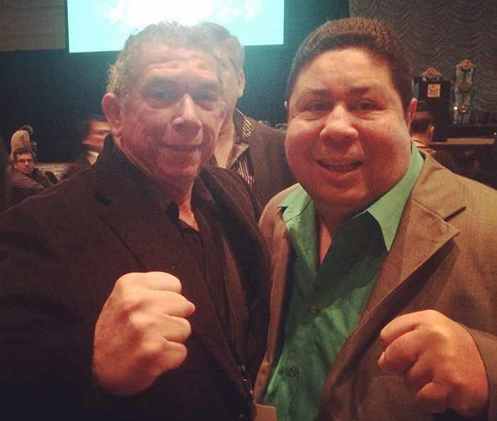 A la izquierda Roberto Quesada, a la derecha Wilfredo Gómez