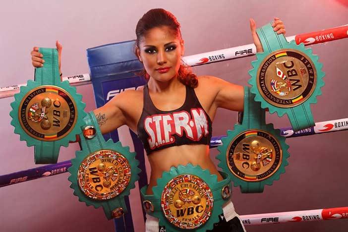 "Mariana ""La barby"" Juárez"