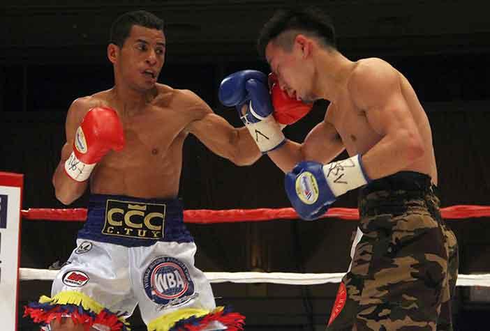 Carlos Cañizales vs Reiya Konishi (Foto: Sumio Yamada)