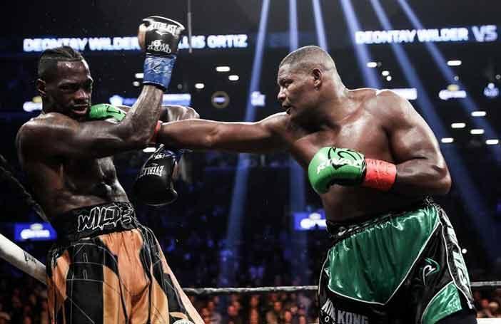 Luis Ortiz golpea a Wilder