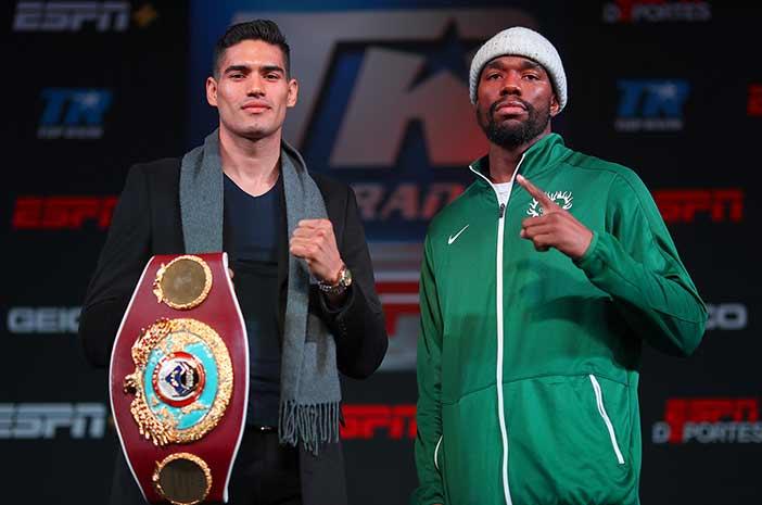 "Gilberto ""Zurdo"" Ramírez vs Jessee Hart (Foto: Mikey Williams, Top Rank)"