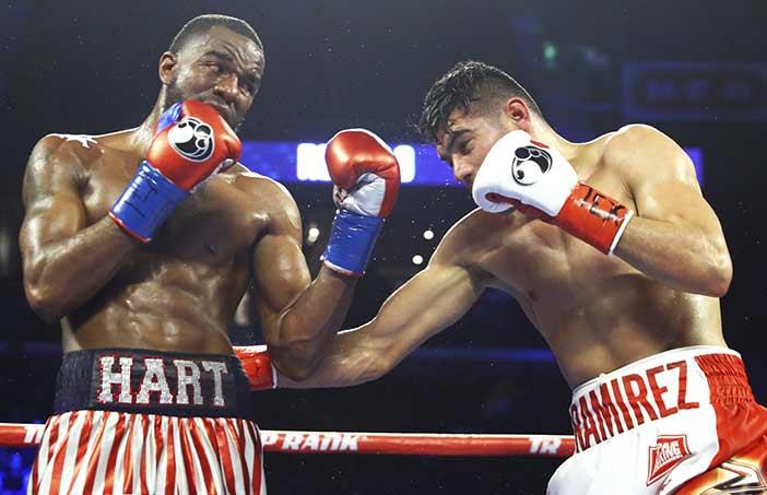 Jarret Hart vs Gilberto Ramírez (Fotos: Mikey Williams / Top Rank)