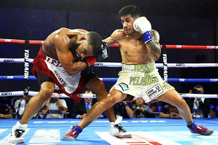 Jessie Magdaleno vs Rico Ramos (Foto: Mikey Williams / Top Rank)