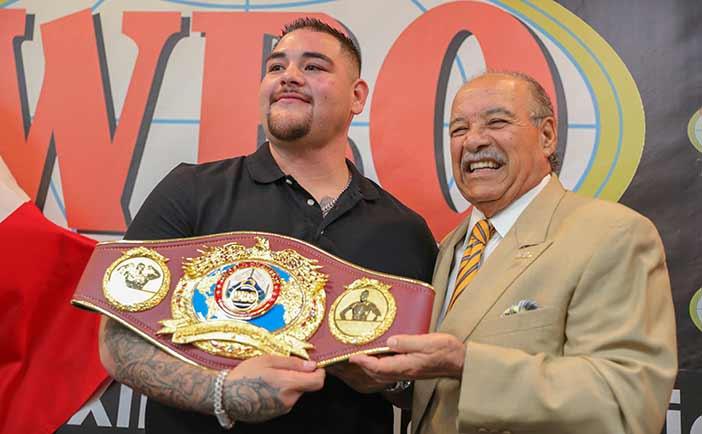 Andy Ruiz y Paco Valcarcel (Foto: Víctor Planas / WBO