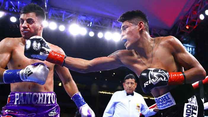 Francisco 'Panchito' De Vaca vs Emanuel Navarrete (Foto: Mikey Williams / Top Rank)
