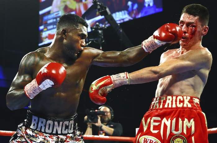 Carlos_Adames vs Patrick Teixeira (Foto: Mikey Williams/ Top Rank)