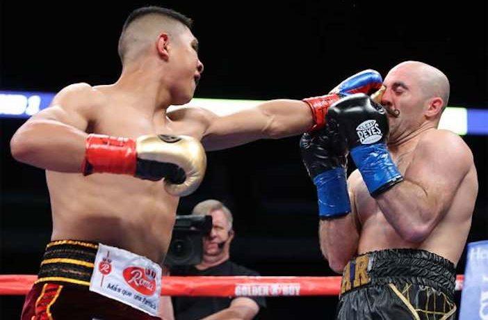 Jaime Munguía vs. O´Sullivan (Tom Hogan-Hoganphotos / Golden Boy