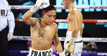 Joshua Franco vence a Andrew Moloney (Mikey Williams/Top Rank)