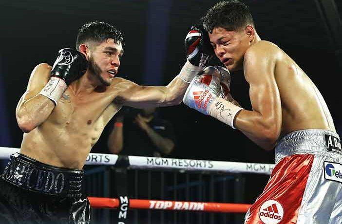 Alex Saucedo vs Sonny Fredrickson (Foto:Mikey Williams/Top Rank)