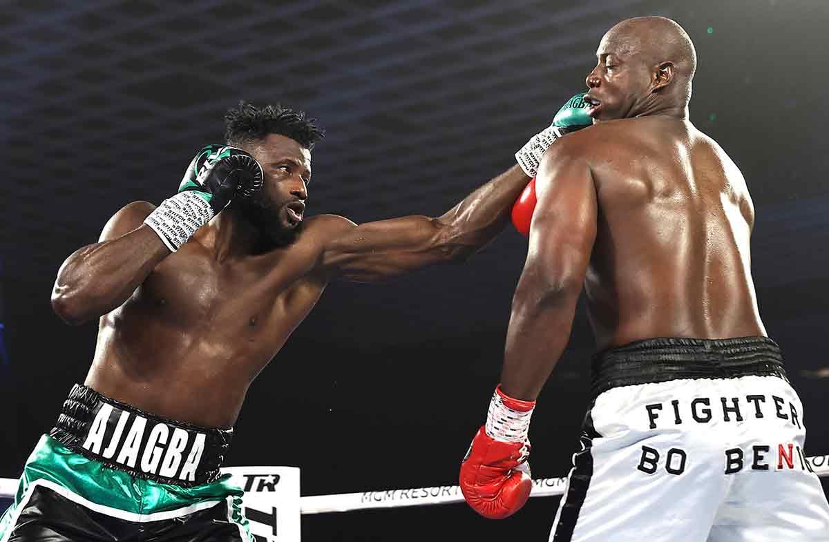 Efe Ajagba vs Jonnie Rice (Foto: Mikey Williams / Top Rank)