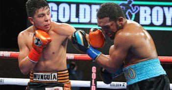 Munguía vs Johsnosn (Tom Hogan-HoganPhotos/Golden Boy Promotions)