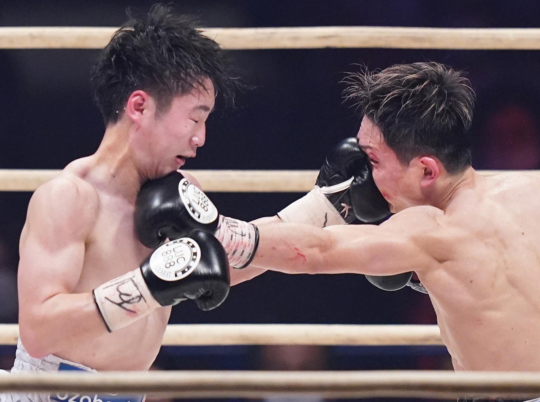 KEN SHIRO VS TETSUYA HISADA (PHOTO CREDIT: NAOKI FUKUDA)