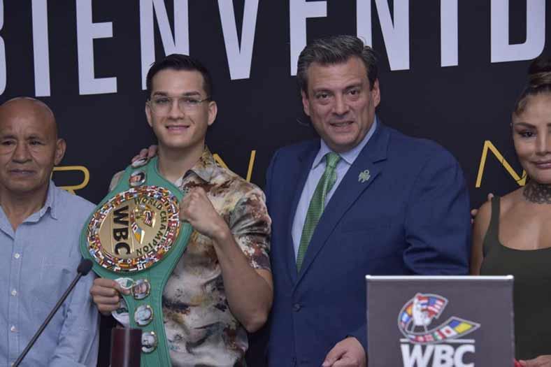 Brandon Figueroa y Mauricio Sulaimán