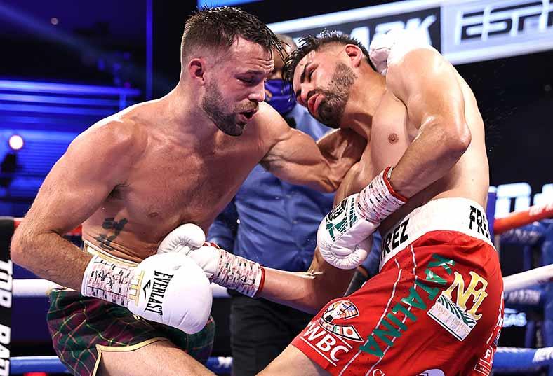 Josh Taylor vs. José Ramírez (Mikey Williams / Top Rank vía Getty Images)