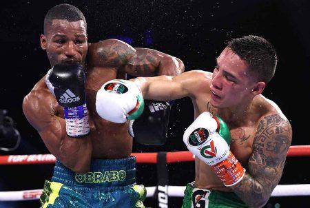 Oscar Valdez vs. Robson Conceição (Fotos: Mikey Williams / Top Rank por Getty Images)