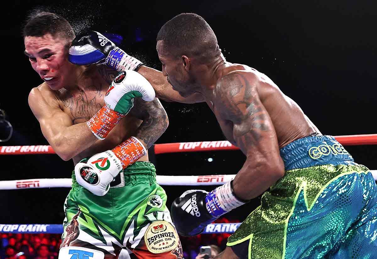 Oscar Valdez vs. Robson Conceição (Foto: Mikey Williams / Top Rank vía Getty Images)