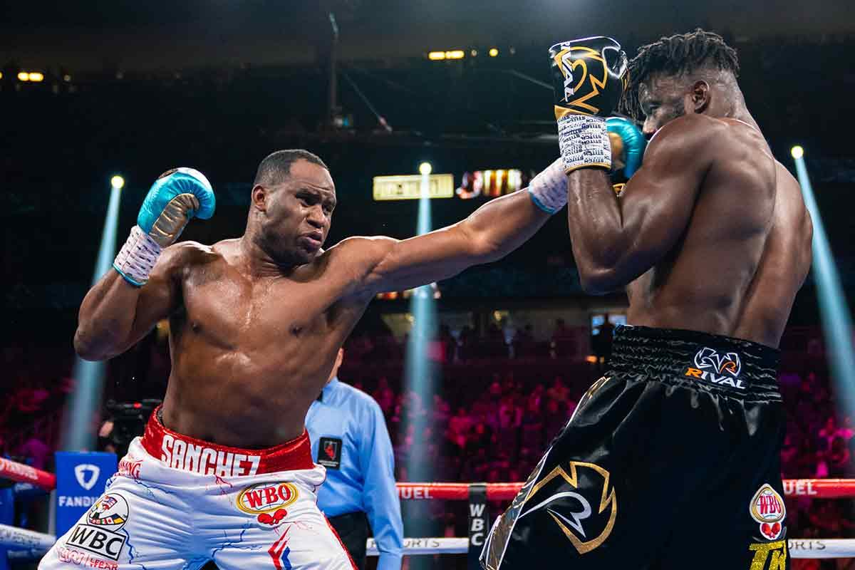Frank Sánchez vs. Efe Ajagba (Ryan Hafey / Premier Boxing Champions)