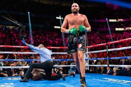 Tyson Fury noquea a Wilder (Fotos cortesía deRyan Hafey/Premier Boxing Champions)